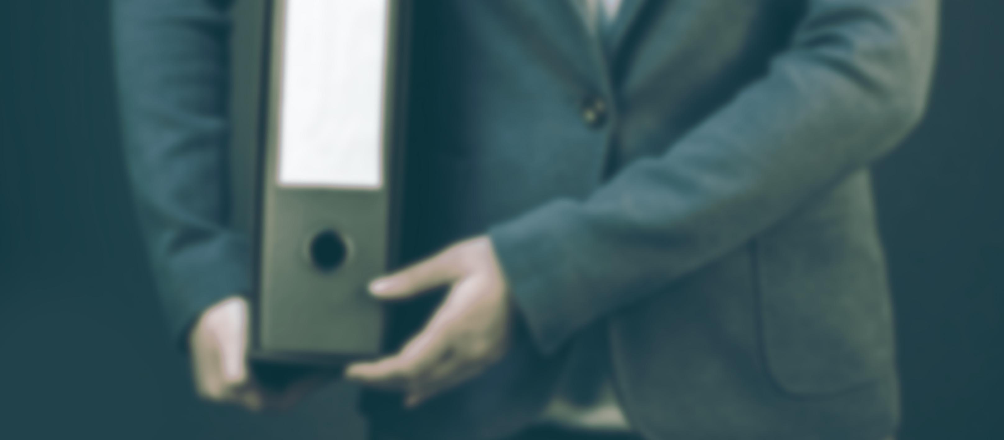Кредиторы не имеют права списывать более 50% средств со счета заемщика на погашение