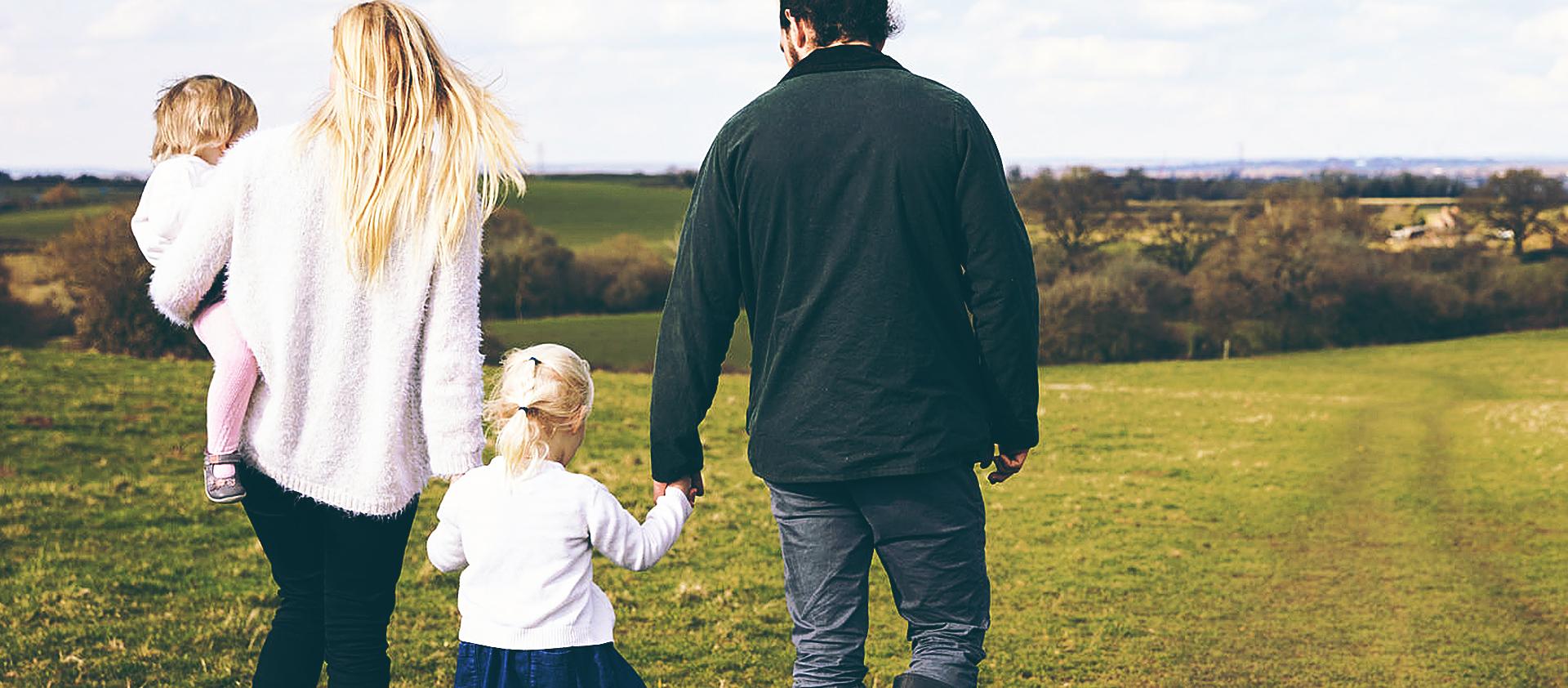 Определяя место жительства ребенка судья руководствуется его интересами, а не интересами родителей