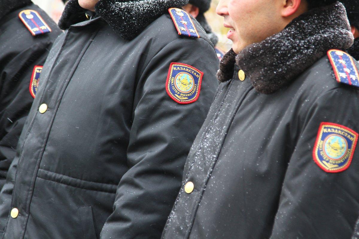 В Кокшетау задержали лжеполицейских-вымогателей